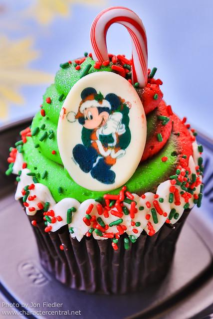 Disneyland Dec 2012 - Christmas Treats at Jolly Holiday Bakery Cafe