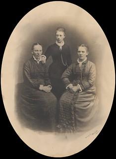 Søstrene Schare (ca. 1880)