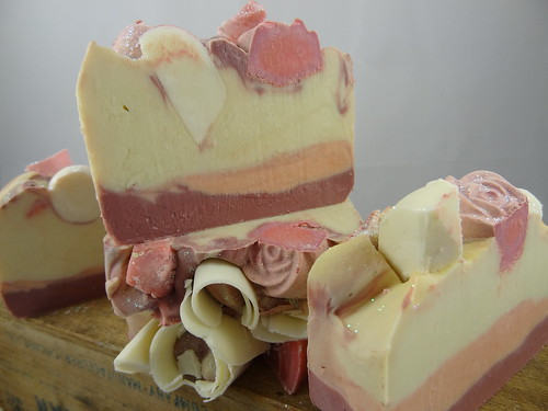 Loveliness Soap - The Daily Scrub (11)