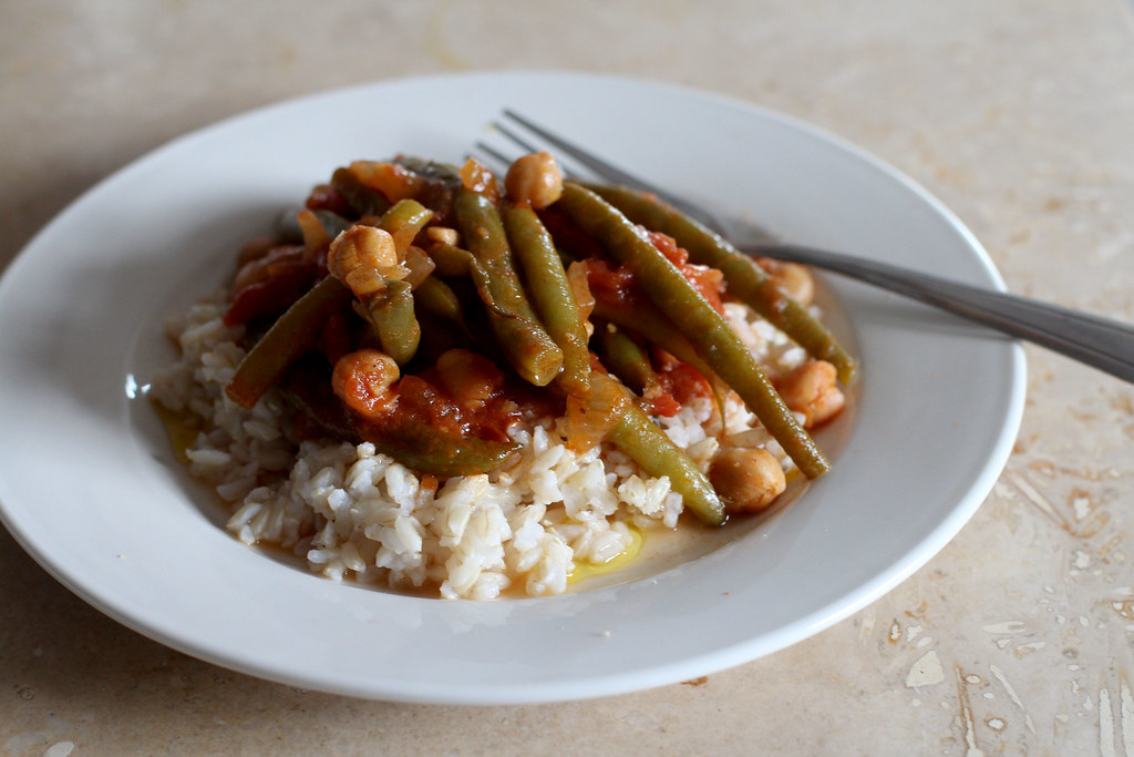 lebanese green beans with chickpeas