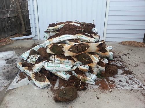 2013.03_coconut husk pile