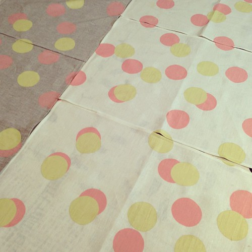 Polka dot printed linen tea towels. Simple and effective : )