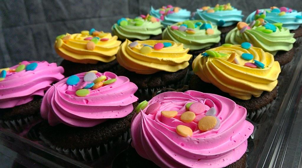 Cupcakes - Magazine cover
