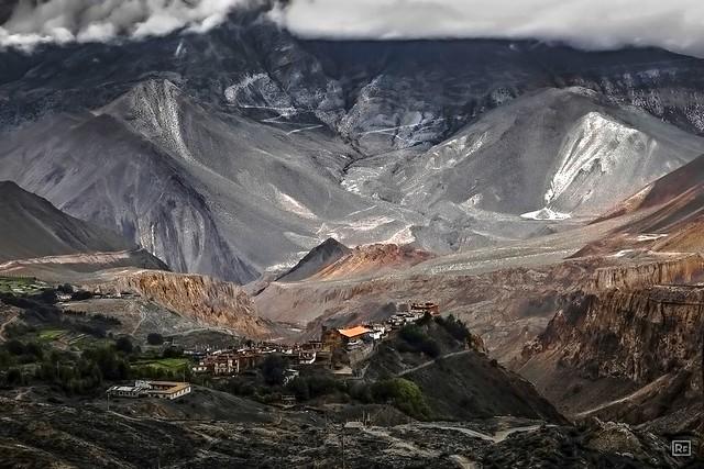 Nepal, Mustang - Jharkot, valley of Kali Gandaki river. 3.600 meter above sea level