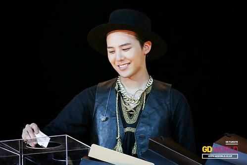 G-Dragon GDYBRI Harbin FM HQs 2015-03-21 by GDWorld 012