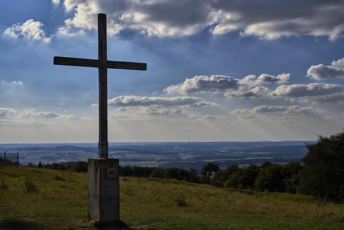 Das Gipfelkreuz auf dem Hesselberg