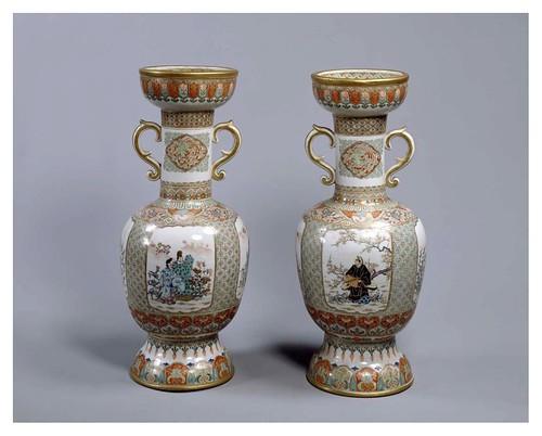 003-Floreros esmaltados-1874-autor Nagoya-Cortesía del Tokyo National Museum