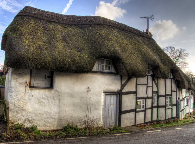 Thatched Terrace Houses In Wherwell Hampshire Flickr