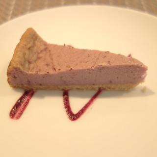 紫芋のチーズケーキ。
