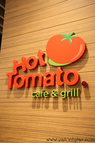 Hot Tomato Café & Grill, Singapore