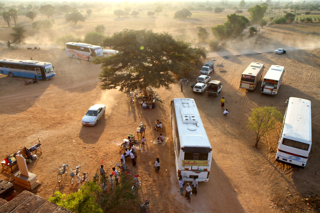 the tour buses arrive for sunset viewing