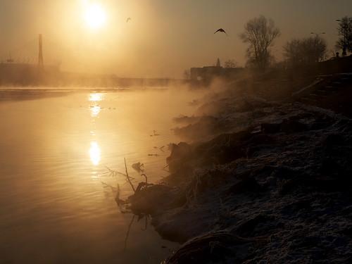 morning winter light sky sun cold color reflection nature water sunrise river landscape lumix europe drawing poland polska panasonic warsaw g2 warszawa panasonicg2 blinkagain
