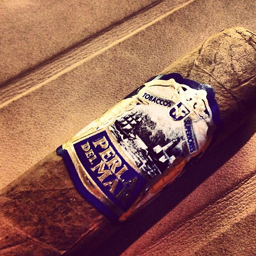 Lets try the newest from @JCNewmanCigars - Perla Del Mar