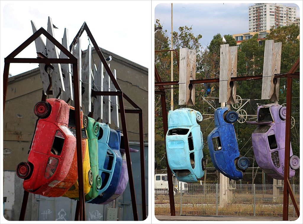 Valparaiso colorful cars