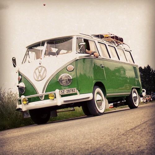 #aircoold #aircult #aircooled_world #hayburner #volksworld #airmighty #bugbus #vw #vwbus #veedub #dubber #t1 #split #splitscreen #splitwindow #samba #21window #vws4ever #vwporn #vwlove #100likes #vws4life #vintag #frauenfeld #awitzerland -:- www.bUGbUs.nE by bUGbUs.nEt