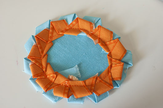 scrappy flower applique and coaster_7