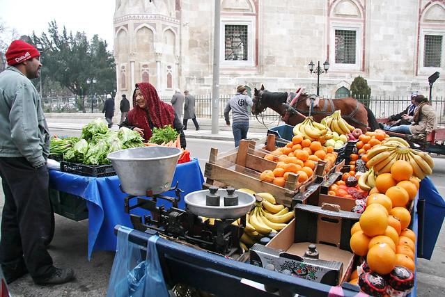 Street grocery shops in Edirne, Turkey エディルネ、路上の八百屋さん