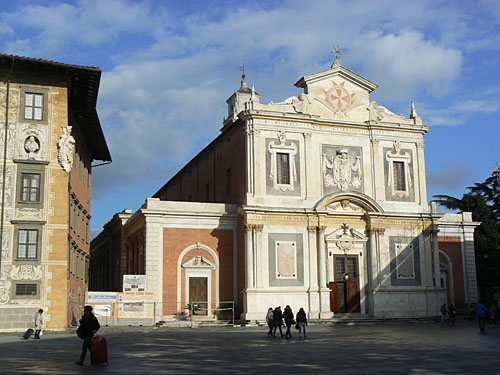 église Pise.jpg