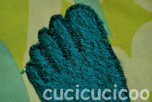 finished foot appliqué on swimming pool locker room foot mats