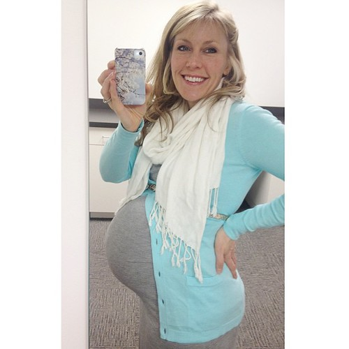 #35weeks and 35 days to go! I love the 35/35 milestone. Keep on growing baby girl! #babysweetsbabybump