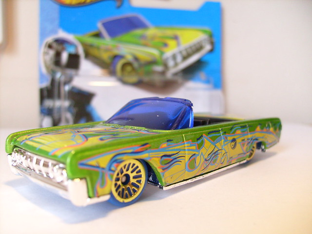 hot wheels 1964 lincoln continental no2 convertible 1 64 flickr photo sharing. Black Bedroom Furniture Sets. Home Design Ideas