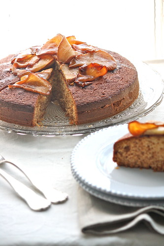 """Honey Cake"" con pere caramellate"