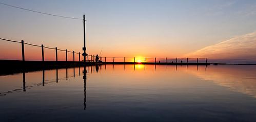 sydney nsw australia northernbeaches pacificocean ocean sky art bay beach color colour cove daybreak early goldenhour goldenlight natural nature reflection shore sea pacific seashore sunrise sunup warm water serene