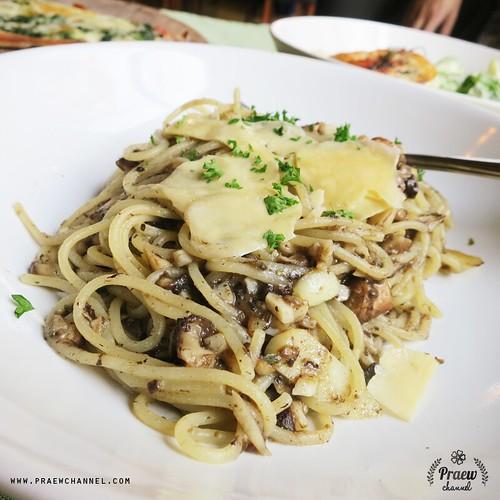 Truffle Spaghetti at Lapin Cafe, Chiangmai, Thailand