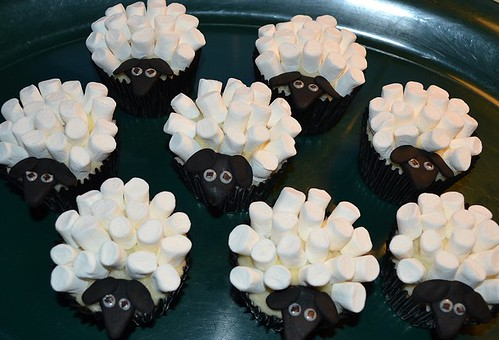 Sheep cupcakes #1
