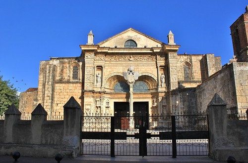 Santo Domingo: Catedral de Santa María la Menor by zug55