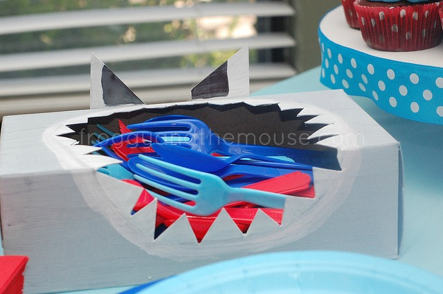 sharkbirthdayparty4