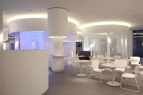 Dise o de interiores tienda oficina y sala de for Disenos de interiores para oficinas