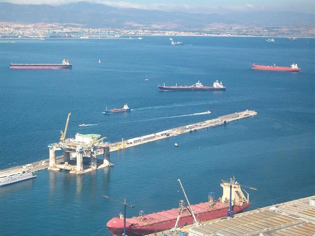 Vista parcial puerto de Gibraltar