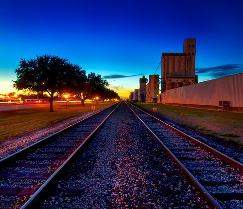 railroad pink blue sunset vanishingpoint texas katy dusk tracks unionpacific silos katytexas ricesilos