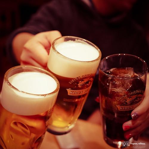 #3 一到就喝酒。