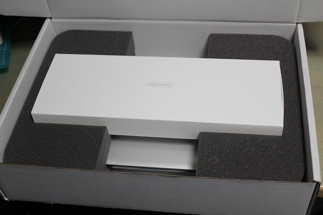 MacBook Pro 13inch Retina Refurbished - 開封