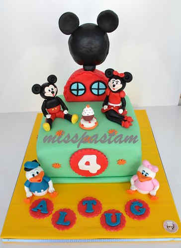 mickey mouse clup house by MİSSPASTAM