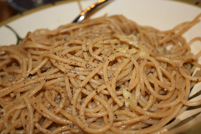 pasta with cracked pepper