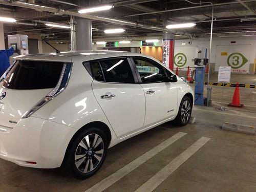 横浜ベイクオーター 電気自動車充電設備