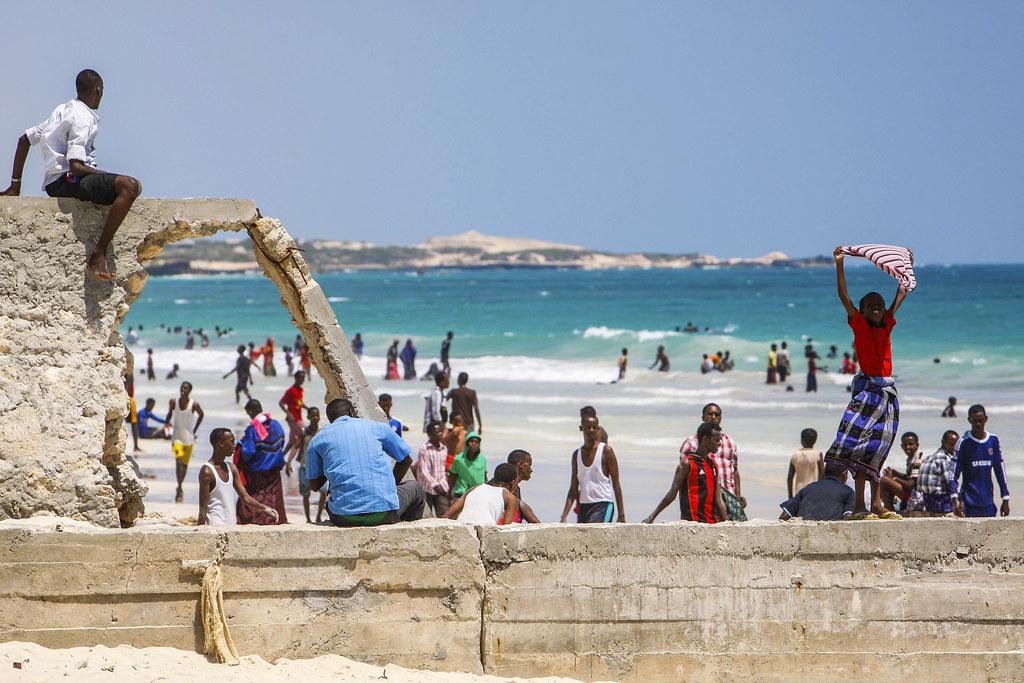 至少有————索马里……