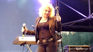 Lights Down Low - Kim Wilde - June 8th 2012 - (12)