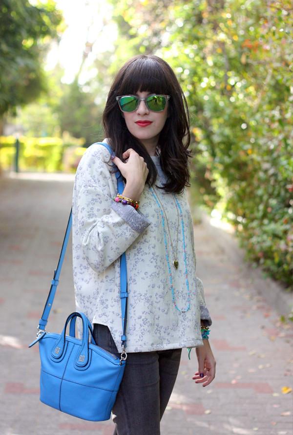givenchy mini nightingale bag, israeli fashion blog, carrera sunglasses, בלוג אופנה, תיק מעצבים, משקפי שמש, סווטשירט פרחוני זארה