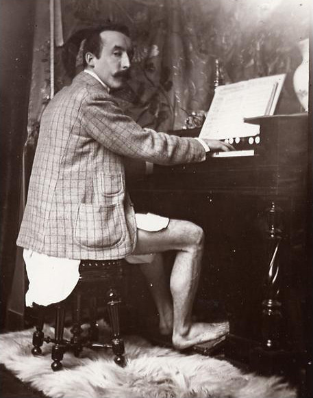 Paul gaugin and Piano