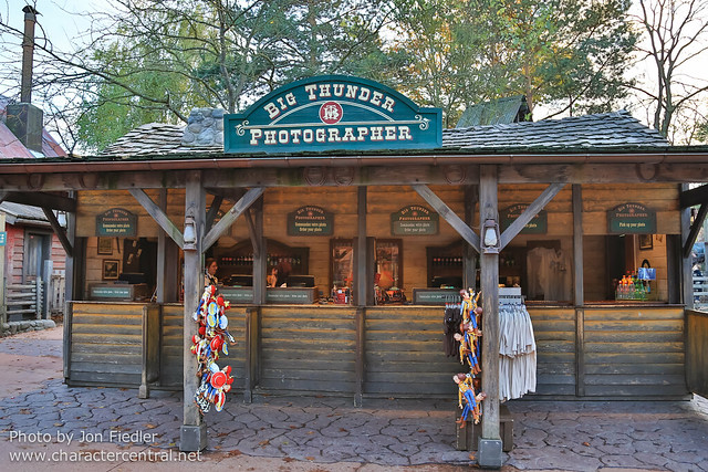 DLP Halloween 2012 - Wandering through Frontierland