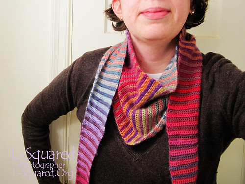 Baktus scarf being modeled around a neck