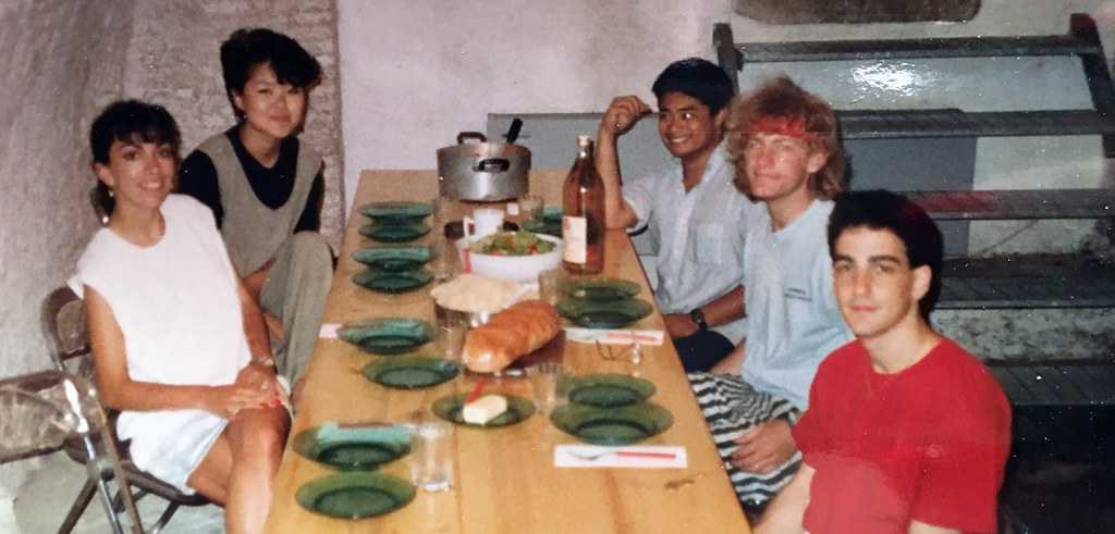 1988 summer program students in the Palazzo Massimo basement kitchen.  photo / Susan Portman Price (B.S. URS '90, M.R.P. '91)