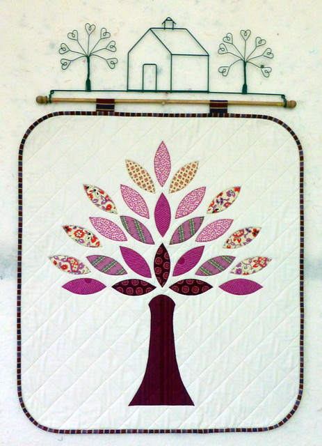 Autumn Tree Wallhanging (Pretty Patches Oct16 issues)