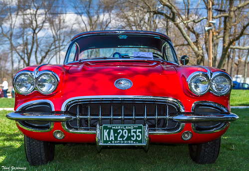 car automobile corvette chevrolet sportscar vehicle transportation classic front headlights grille bumper windshield windscreen color red colour outdoor outside availablelight maryland montgomerycounty zajdowicz cano0n eos 7d dslr digital lightroom lines gaithersburg