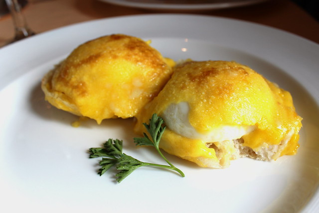 Eggs Benedict with Canadian bacon, toasted English muffin and hollandaise sauce