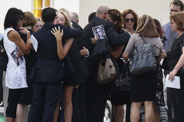 Funeral Novia Pistorius (1)